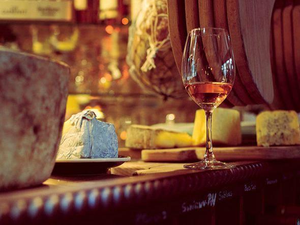 vinho queijos_vinhos